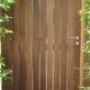 Portail sur mesure en bois ipé courbe jardin menuiserie sur mesure Wavre maison moderne travaux architecte de jardin mt design perwez fermeture de parking menuiserie sur mesure