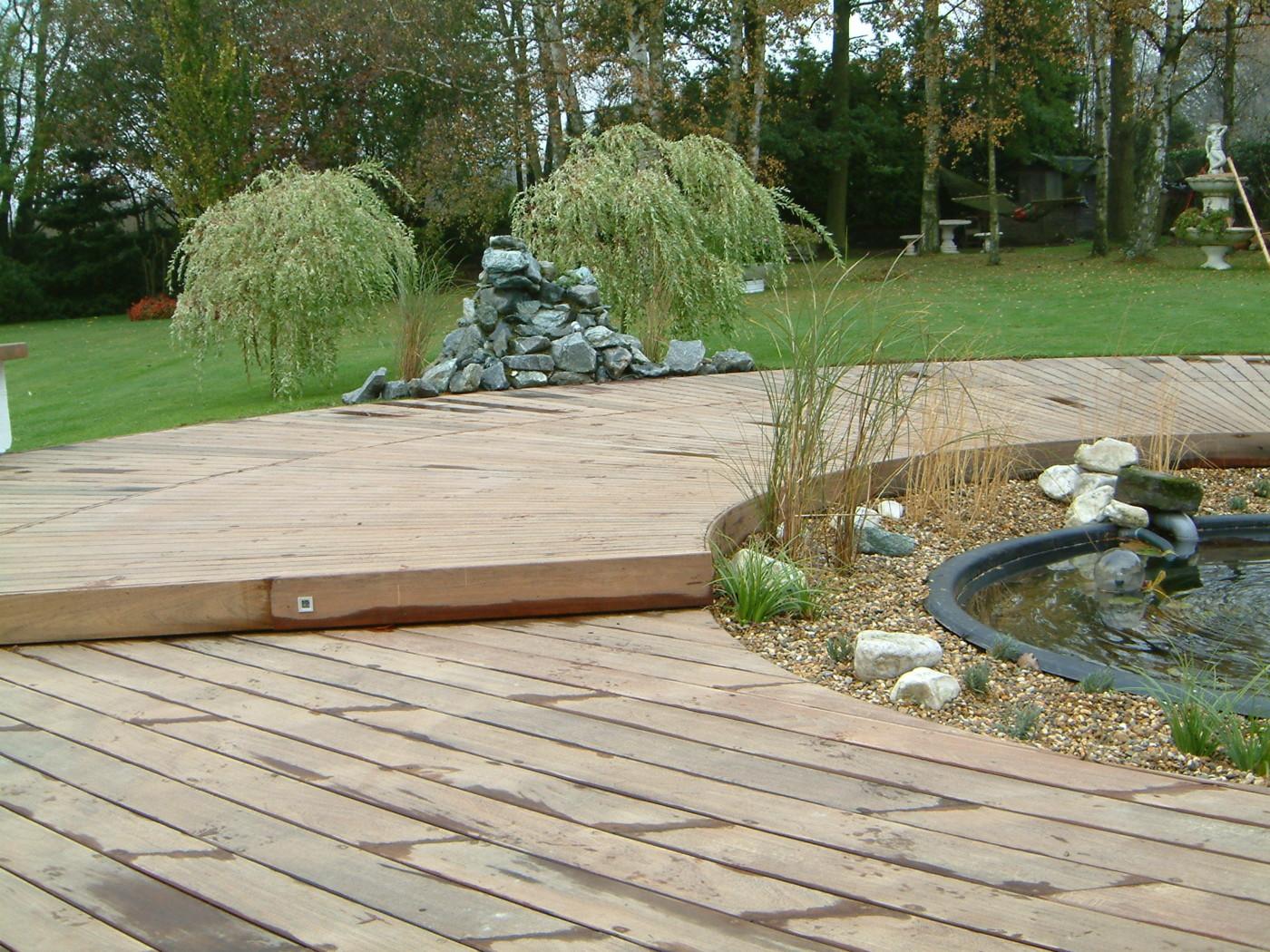 Terrasse bois jardin terrasses et piscines moirans for Piscine moirans