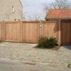 portail bois padouck maison automatisé allée de garage