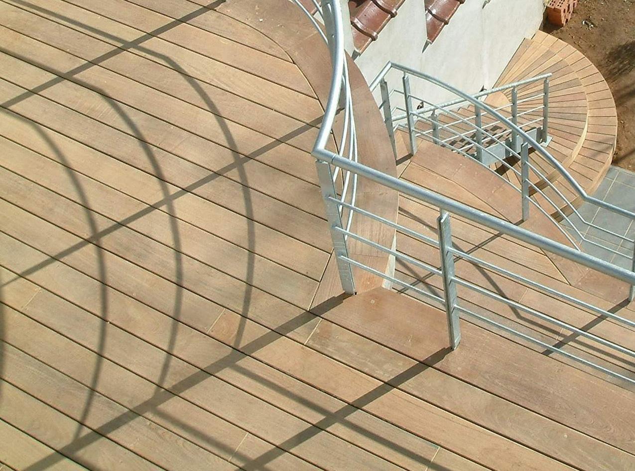 Terrasse courbe sur mesure menuiserie wavre meuble mobilier mt
