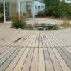 terrasse arrondie en bois ipé sur mesure lasne fontaine plantation maison classique menuiserie sur mesure wavre lasne barbecue pierre jardin plantation