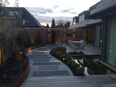 terrasse en bois sur mesure waterloo éclairage mélange bois et pierre terrasse en bois arrondie terrasse en bois wavre jaccuzzi étang