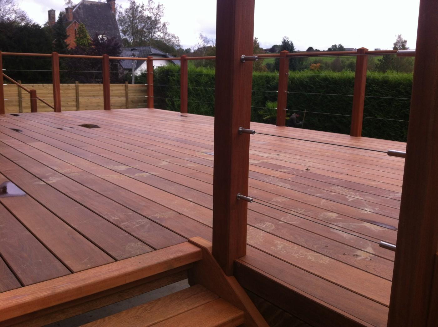 barriere terrasse bois garde corp bois exterieur images. Black Bedroom Furniture Sets. Home Design Ideas
