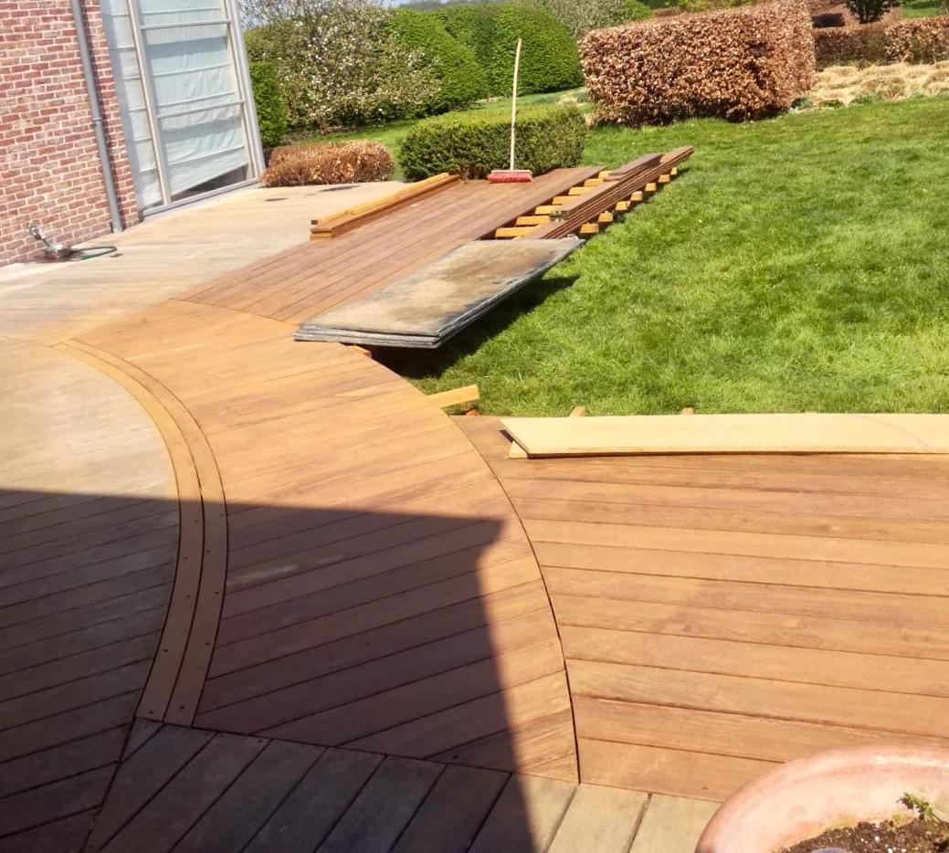 Terrasse En Bois Et Jardin renovation-terrasse bois-lasne-jardin-maison-arrondis - mt