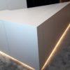 ilot éclairage led meuble blanc moquette meuble sur mesure